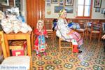 Traditionele klederdracht Olympos Karpathos | De Griekse Gids foto 007
