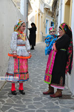 Traditionele klederdracht Olympos Karpathos | De Griekse Gids foto 011